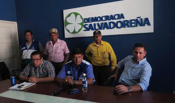 Candidato Cerón (al centro).Foto: Cortesía DS.
