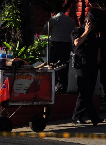 Vendedor habría herido al policía y éste le disparó. /J.M