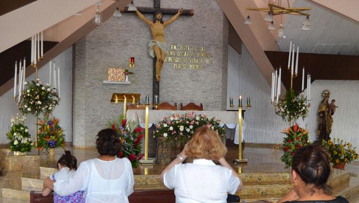 Romero fue asesinado de un tiro en el corazón mientras oficiaba misa el 24 de marzo de 1980. /DEM