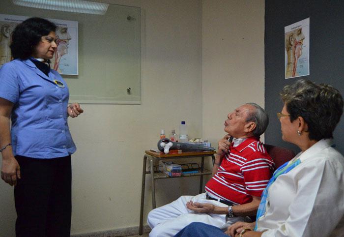 José Garay llegó a Fundahabla en busca de consejería, fue operado hace seis meses. Su hija lo describió como un líder que busca su voz. /JAIR MARTÍNEZ