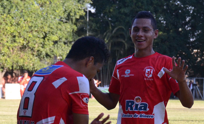 Juventud Independiente fulmina al Dragón. /JAIR MARTÍNEZ