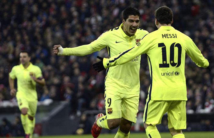 El delantero uruguayo Luis Suárez acabó con la sequía al anotar el segundo gol para el Barcelona. /EFE
