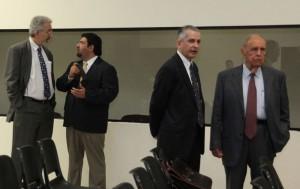 Los nueve imputados acusados de peculado continuarán el proceso penal. /DEM