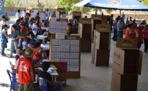 El Centro Escolar Sotero Laínez, Sensuntepeque, presentó algunas irregularidades durante el proceso electoral. / WILSON URBINA.