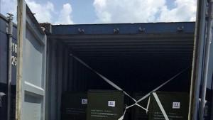 Fotografía de la fiscalía colombiana muestra los contenedores con las armas. /DEM