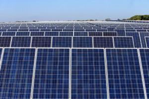 Según la estimación inicial, el parque fotovoltaico generaría energía para 20,000 hogares. /DEM
