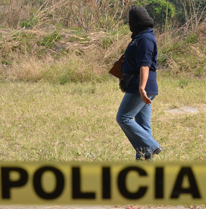 Milton Roberto Perdomo Rivera, de 31 años, vendía fruta a los empleados públicos y privados del centro de San Salvador. /J.M.