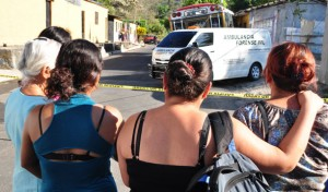 El motorista y cobrador de la ruta 151 fueron asesinados ayer en San José Villanueva, La Libertad. /ÓSCAR MACHÓN