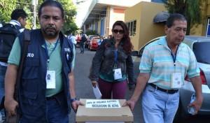 Miembros de mesas de escrutinio decidieron retirarse ante la falta de condiciones para desarrollar el escrutinio. /JAHIR MARTÍNEZ