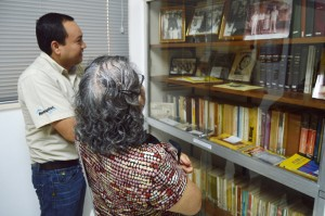Turistas visitan la última residencia de Romero. /Wilson Urbina