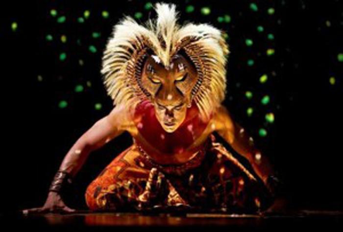 Carlos Rivera en escena del musical. Foto retomada de Milenio.com