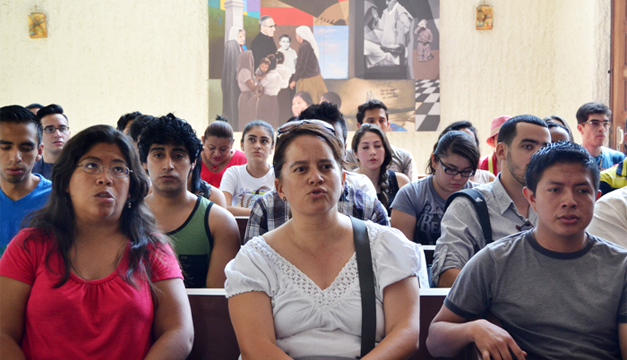 La Comunidad Sant'Egidio proviene de ocho países. /J.M.