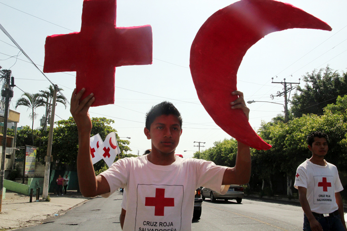 Al menos 600 miembros de la Cruz Roja participaron en la celebración de ayer. /DEM