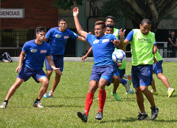 Santa Tecla debe llegar con puntería al estadio de San Juan Opico. /DEM