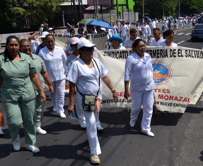 El martes un sindicato de enfermería exigió mejoras de condiciones laborales. DEM