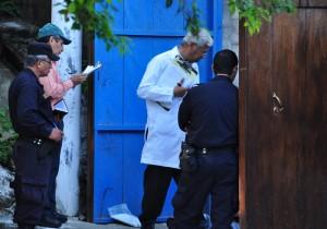 Un hombre no identificado fue asesinado ayer en la colonia Montecarlo, de Ilopango, San Salvador. / ÓSCAR MACHÓN