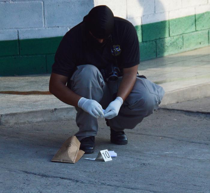 El pandillero Mario Adalberto Ramos, de la 18, fue asesinado ayer en Ciudad Delgado. / DEM
