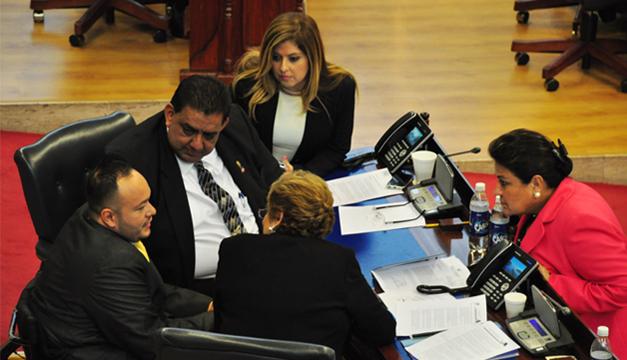 Fracción de ARENA es dirigida por Alberto Romero (al centro). /DEM