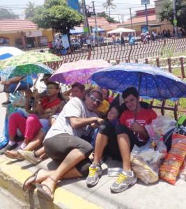 Familiares unidos por la devoción a Romero. /J.M.