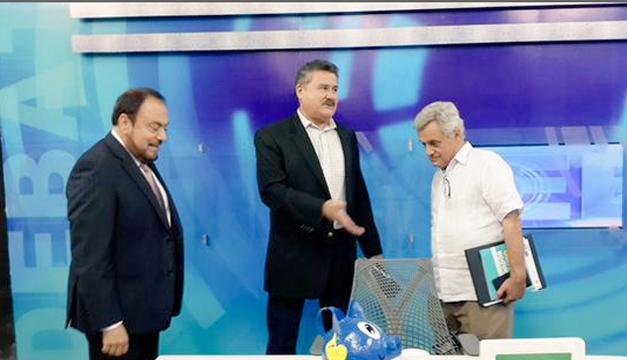 """Rubio (al centro) y Rodríguez (derecha) en """"Debate con Nacho"""", el pasado 24 de abril. /Imagen tomada de Twitter"""