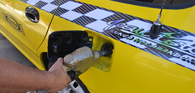 Suben precios de gasolina