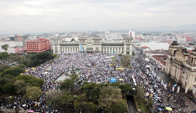 Una nueva protesta contra la corrupción en el Gobierno de Guatemala. / DEM