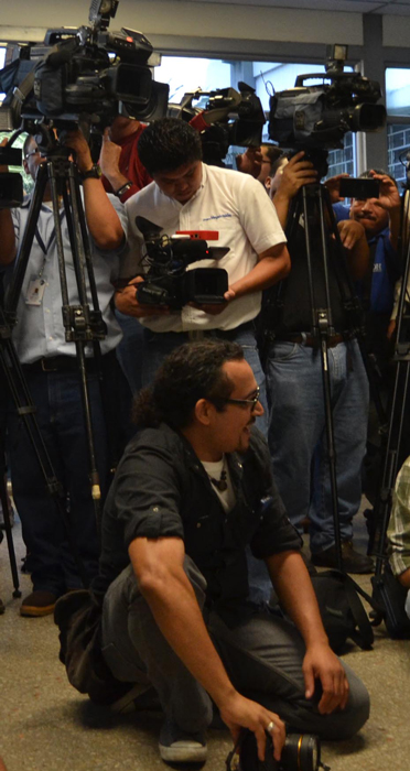 APES pide respetar libertad de expresión. /DEM