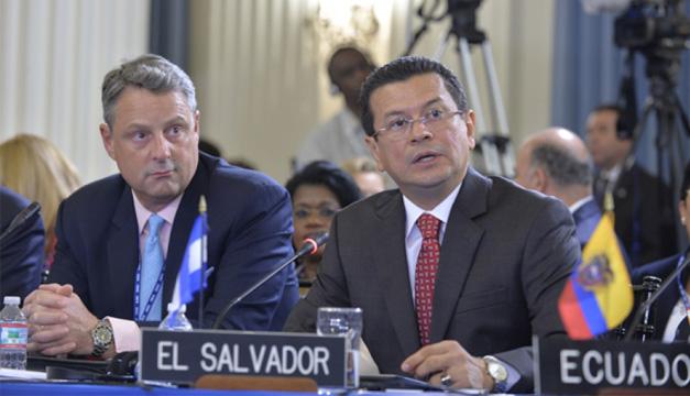 Ministro Martínez asiste a la 45 Asamblea General de la OEA, en Washington D.C. Foto: Cortesía RR. EE.