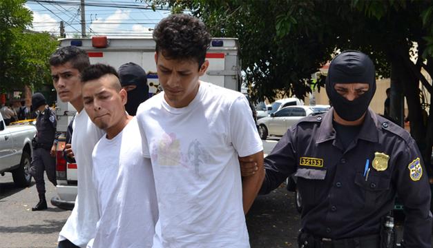 El pandillero Ricardo Isaías Fuentes Melgar fue detenido ayer por el crimen. /Jair M.