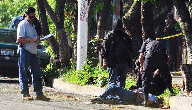 Raúl Palacios fue asesinado frente a un centro escolar de la colonia El Pepeto, en Soyapango./Ó.M.