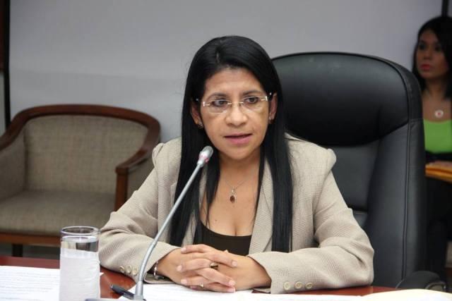 00 Licda Paula Velasquez Magistrada Propietaria