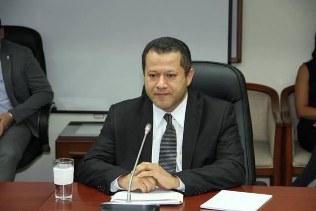 04 Lic Sergio Luis Rivera Magistrado Propietario