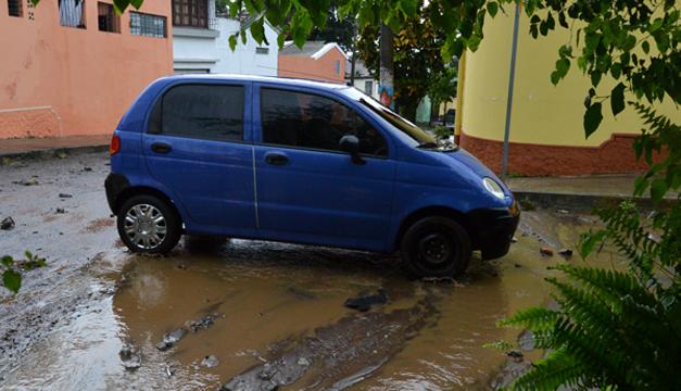 Obstrucción de bóveda provoca inundaciones en la Colonia Las Delicias. Foto: J.M/DEM
