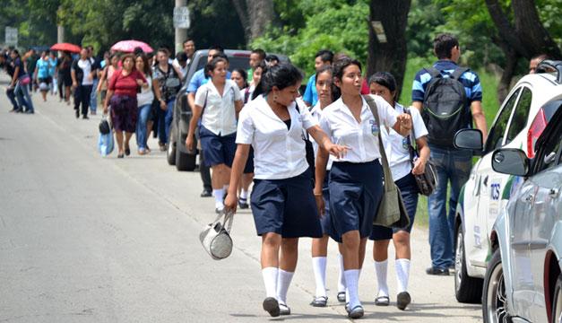 Escuelas-estudiantes-explosion-en-Caballeria