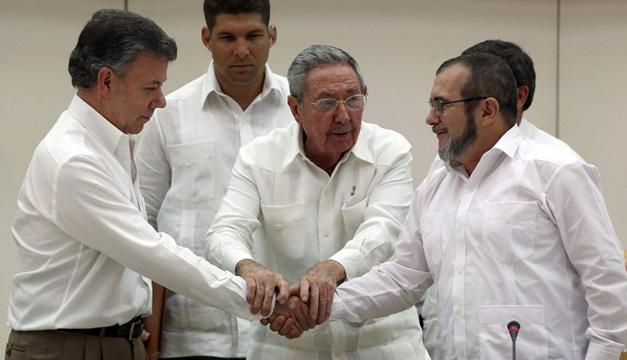 Juan-Manuel-Santos-Timochenko-Raul-Castro