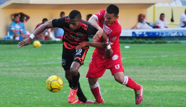 Aguila-Ues-Apertura-2015