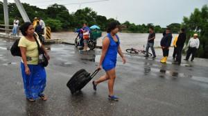 LLUVIAS-Cerrado-Puente-Arce-por-Crecida-del-RIO-PAZ-Frontera-Hachadura-AHUACHAPAN