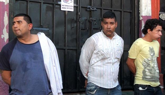 Asesinato-agentes-capturados