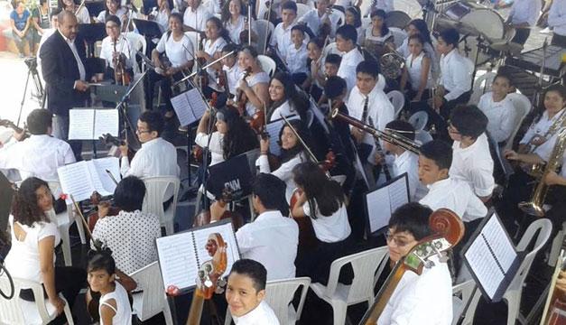 Concierto-Bajo-El-Almendro