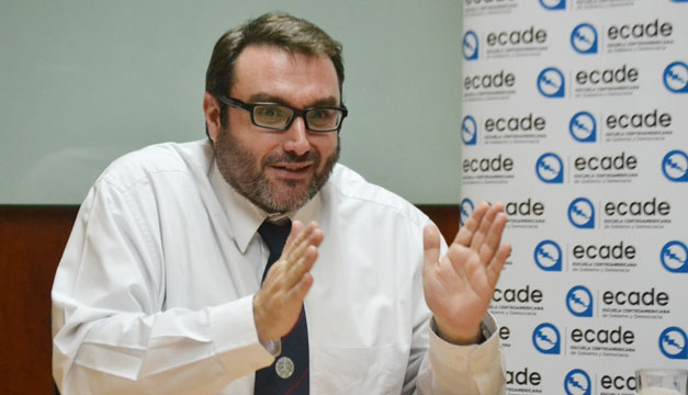 Eduardo-Fernandez-1