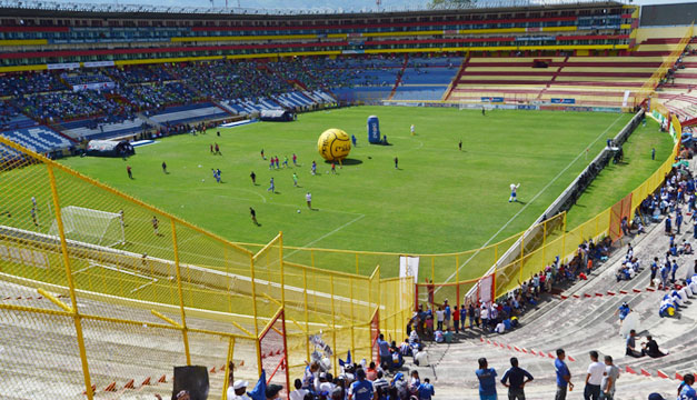 Estadio-Cuscatlan