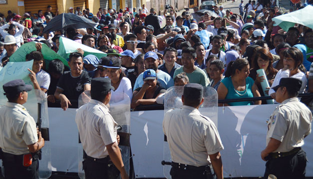 Protesta-vendedores-Santa-Tecla