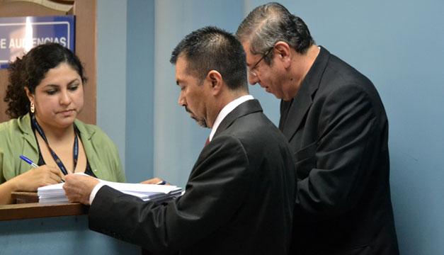 Abogados-defensores-Francisco-Flores