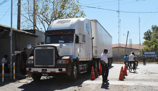 Camion-Frontera