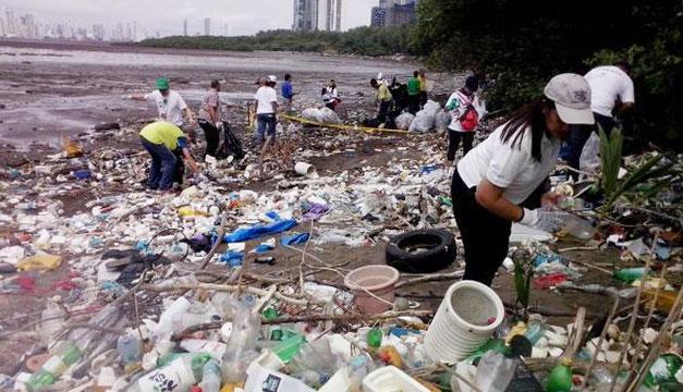 Limpieza-playas-de-Panama