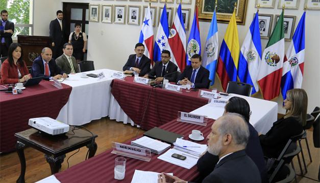 Representantes de los distintos países centroamericanos. EFE