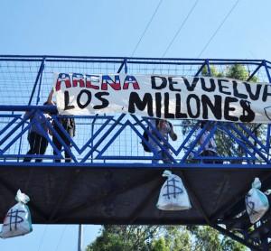 Sacos-ARENA-Caso-Flores-protesta