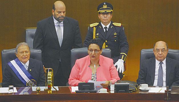 Salvador-Sanchez-Ceren-Lorena-Pena