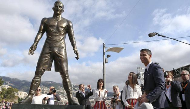 Cristiano-Ronaldo-estatua