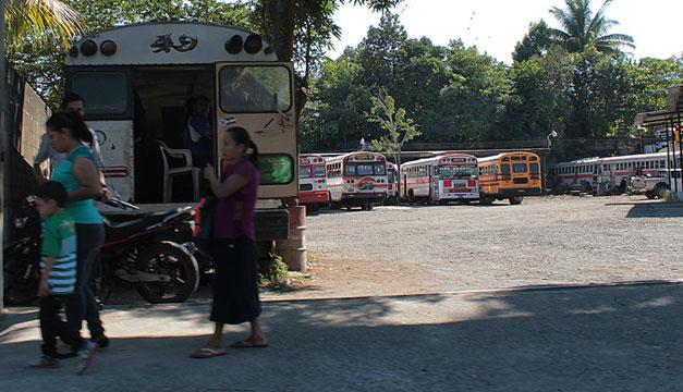 Paro-de-buses-ruta-49